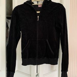 JUICY COUTURE BLACK HOODED ZIP UP